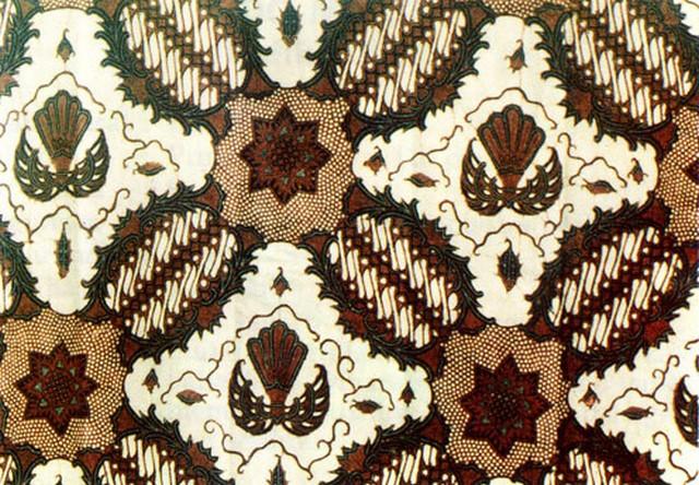 Mode busana batik