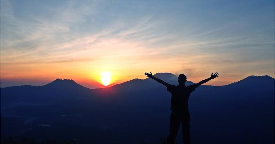 Menikmati Sunrise
