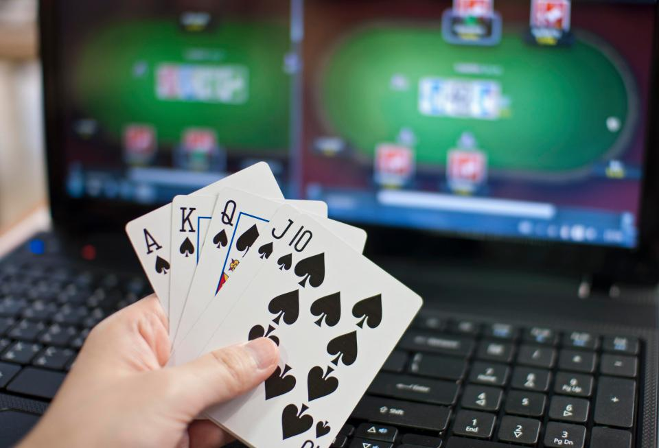 akuntansi poker online
