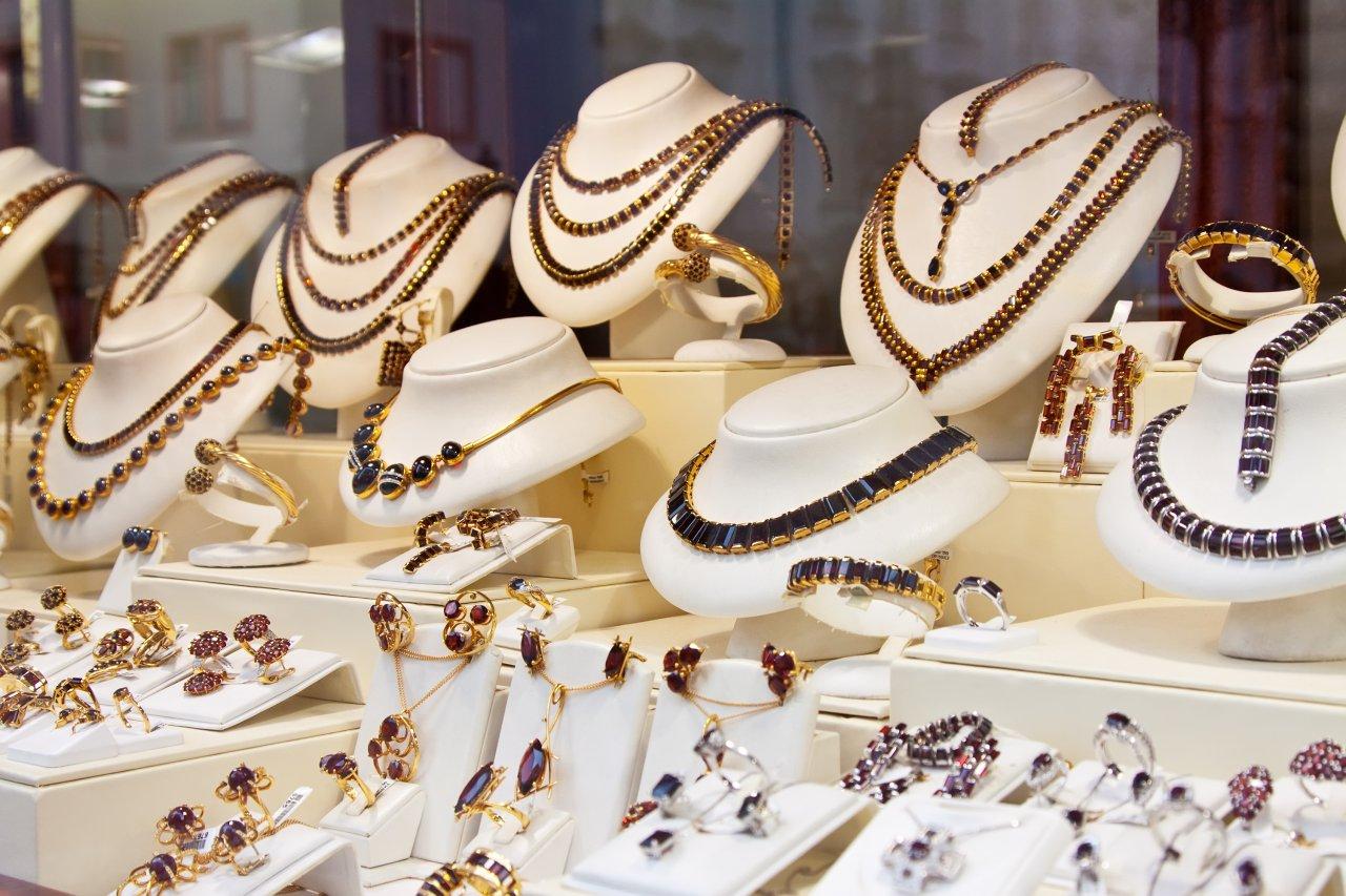 Bisnis Perhiasan