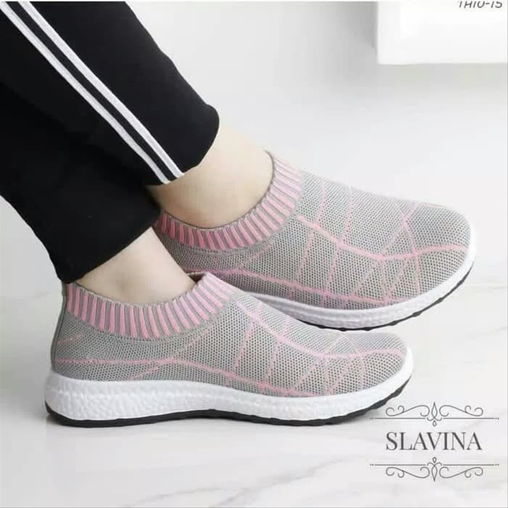 Menjaga agar sepatu kesayangan tidak pudar